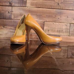 Mustard Nine West shoe